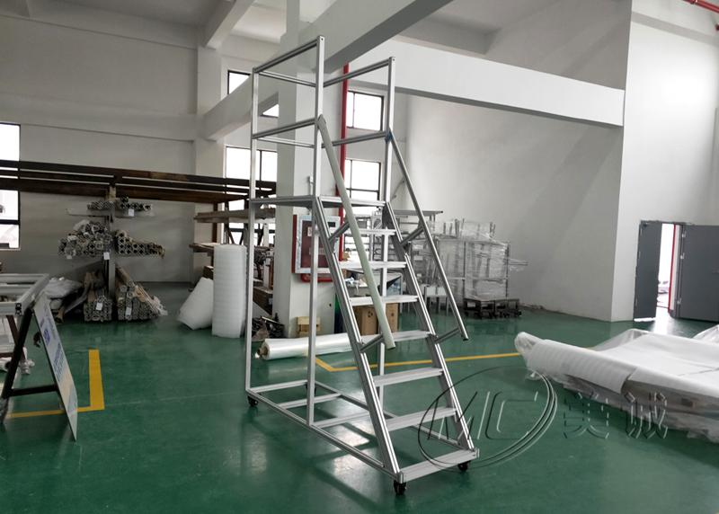 登高梯——铝型材框架