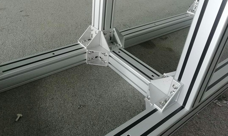 80铝角件安装