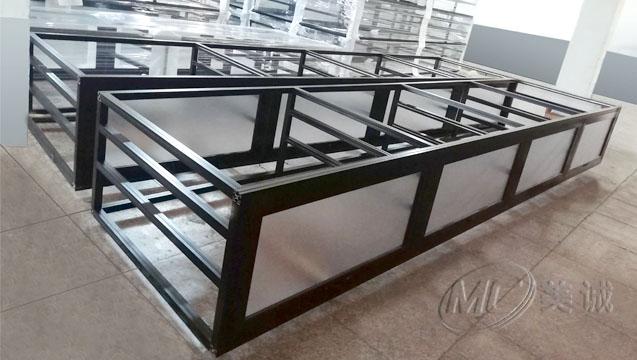 黑色铝型材框架.