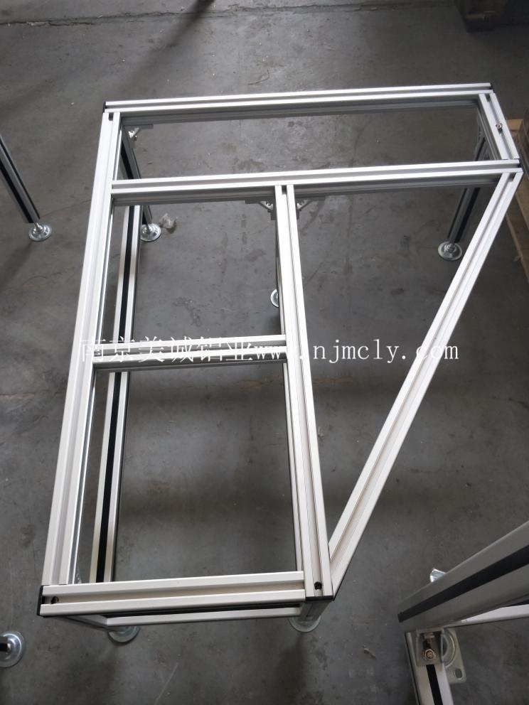 你知道氧化后的工业铝型材框架优点吗?01