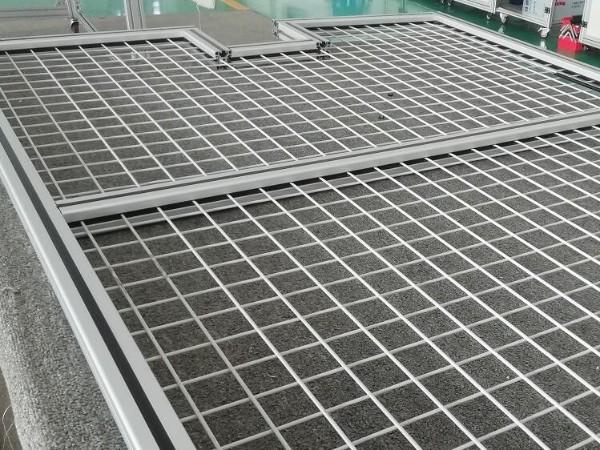 4040铝型材围栏网格安装
