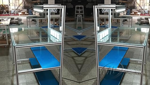 钢化玻璃操作台 二