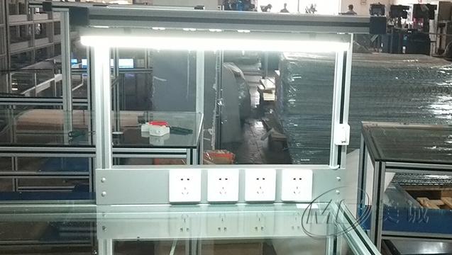 钢化玻璃操作台 三