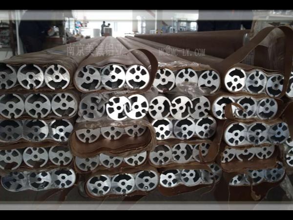 简单介绍工业铝型材生产加工过程