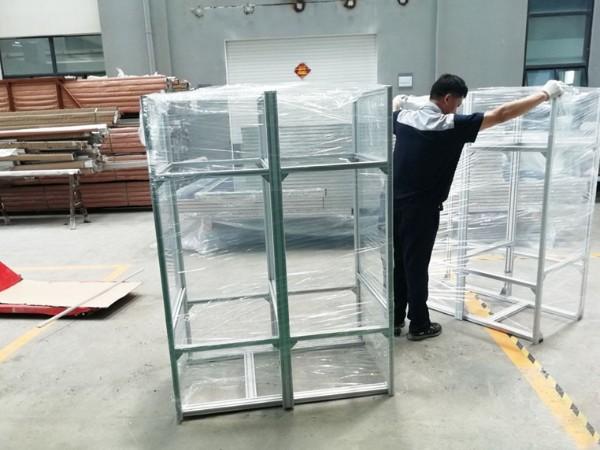 铝型材框架打包发货