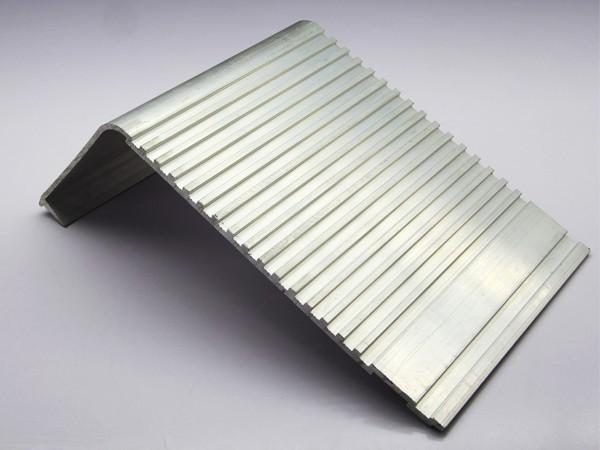 大L型铝型材